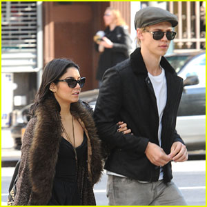 Vanessa Hudgens & Austin Butler: Weekend Walk