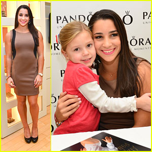Aly Raisman: 'Pandora' Meet & Greet in Pennsylvania