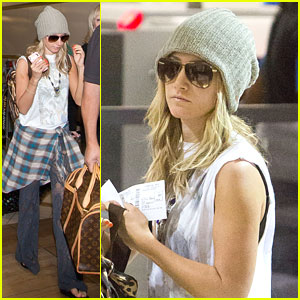 Ashley Tisdale: Thanksgiving Trip!