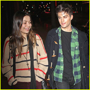 Miranda Cosgrove & Max Ehrich: Movie Date Night!