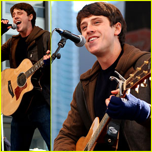 Shane Harper Lights Up Chicago
