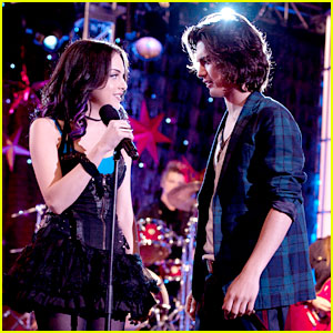 Elizabeth Gillies &#038; Avan Jogia: Are Beck &#038; Jade Back Together on 'Victorious'?