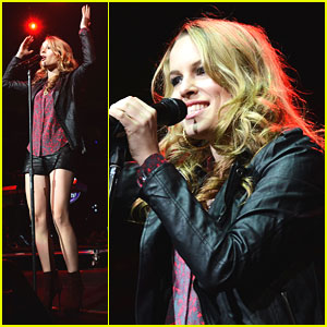 Bridgit Mendler: Q102 Jingle Ball 2012!