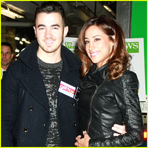 Kevin & Danielle Jonas: FDNY Food Drive for City Harvest