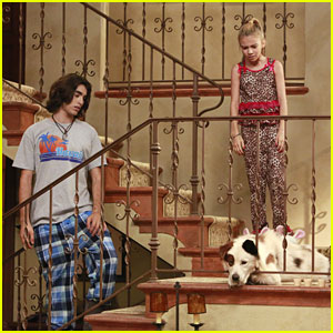 Blake Michael & G Hannelius are Stuck In The 'Parrot Trap'