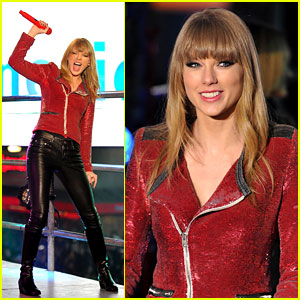 Taylor Swift Performs in Times Square on New Year's Eve!