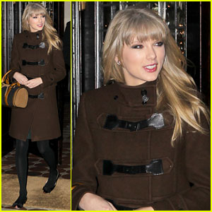Taylor Swift: New Year's Eve Dinner with Austin!