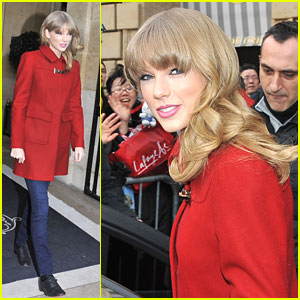 Taylor Swift Officially Signs with Diet Coke!