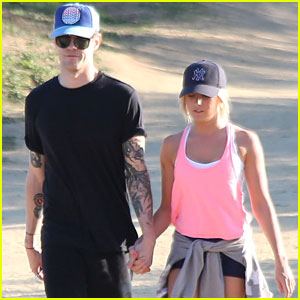 Ashley Tisdale: Valentine's Day with Christopher French!