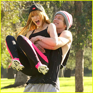Bella Thorne & Tristan Klier: Park Workout