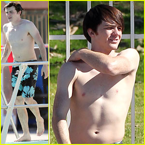 Drake Bell: Diving Practice for 'Splash USA'!