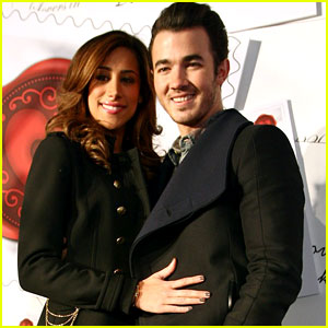 Kevin & Danielle Jonas: 'Sealed With Love' Event