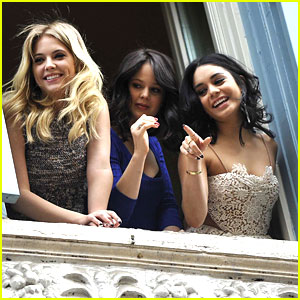 Vanessa Hudgens, Ashley Benson & Rachel Korine: Balcony 'Breakers'