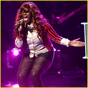 American Idol: Zoanette Johnson Performs - Watch Now!