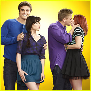 Ashley Rickards &#038; Brett Davern: 'Awkward' Season Three Pics!
