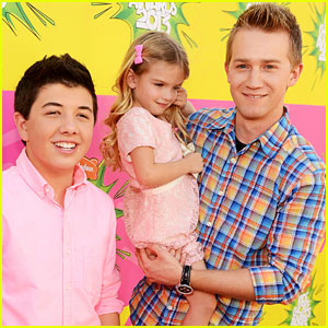 Bradley Steven Perry & Jason Dolley - Kids' Choice Awards 2013 Red Carpet