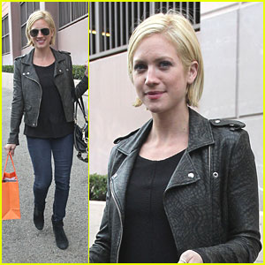 Brittany Snow: Madison Shopper