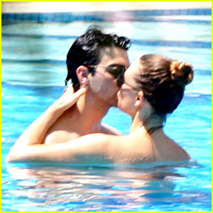 Joe Jonas & Blanda Eggenschwiler: Kisses In The Pool!
