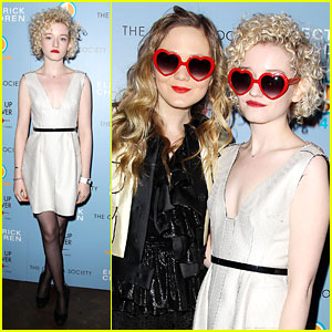 Julia Garner: 'Electrick Children' Premiere!