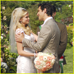 Sara Paxton Gets 'Lovestruck' -- More Stills!