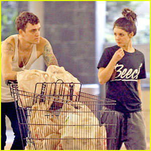 Shenae Grimes &#038; Josh Beech: Ralph's Grocery Run