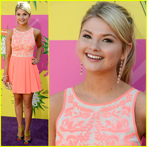Stefanie Scott - Kids' Choice Awards 2013 Red Carpet