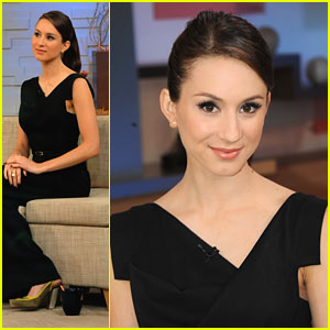 Troian Bellisario Dishes 'PLL' Finale on Good Morning America