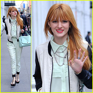Bella Thorne: Teal Bag Beauty