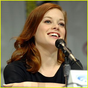 Jane Levy & Shiloh Fernandez: 'Evil Dead' at WonderCon