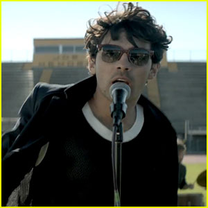 Jonas Brothers: 'Pom Poms' Music Video - Watch Now!