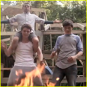 The Making of 'Kings of Summer' - Watch Now!