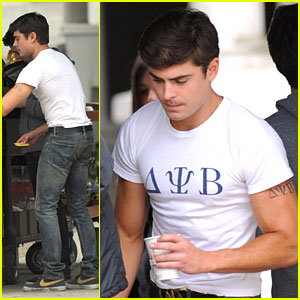 Zac Efron: Tight Tee Shirt for 'Townies'
