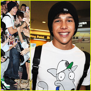 Austin Mahone Gets Swarmed by Fans in Tokyo