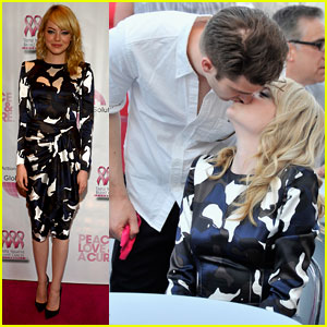 Emma Stone & Andrew Garfield: Kisses at Breast Cancer Benefit