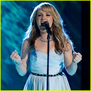 'The Voice' Top 10: Amber Carrington Performs - Watch Now!