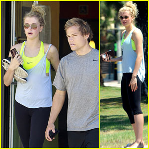 Ireland Baldwin: Nail Salon with Boyfriend Slater Trout!