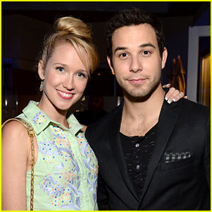 Skylar Astin: 24 Hours Play with Anna Camp!