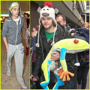 The Wanted: Jay McGuiness Carries Froggy Friend at the Aiport