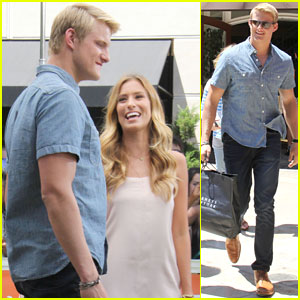 Alexander Ludwig: 'Extra' Appearance at The Grove