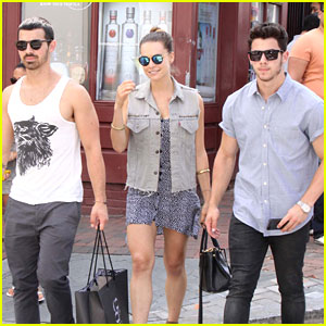 Jonas Brothers Tweet Sympathies for Kidd Kraddick