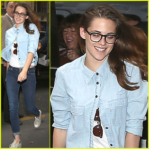 Kristen Stewart: Sight Seeing In Paris!