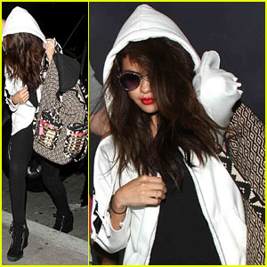 Selena Gomez: I Call Taylor Swift or Demi Lovato When I Get Frustrated
