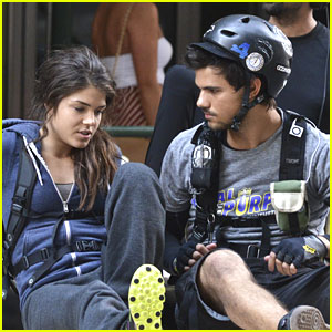 Taylor Lautner & Marie Avgeropoulos: Back on 'Tracers' Set