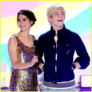 Ross Lynch & Maia Mitchell - Teen Choice Awards 2013