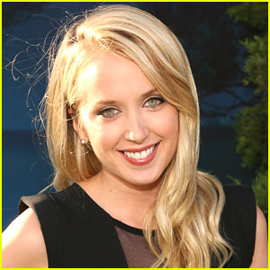 Megan Park Joins 'Undateable'