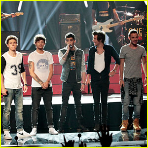 One Direction: 'America's Got Talent' Performance - Watch Now!