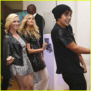 Brittany Snow & Austin Mahone: Just Dance with Boy Meets Girl Fas