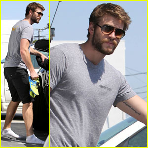 Liam Hemsworth Not Dating January Jones!
