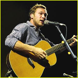 Phillip Phillips: 'World From Side of the Moon' Goes Platinum
