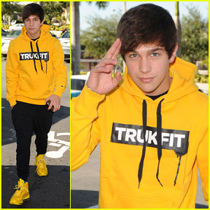 Austin Mahone Steps Out After Hospitalization